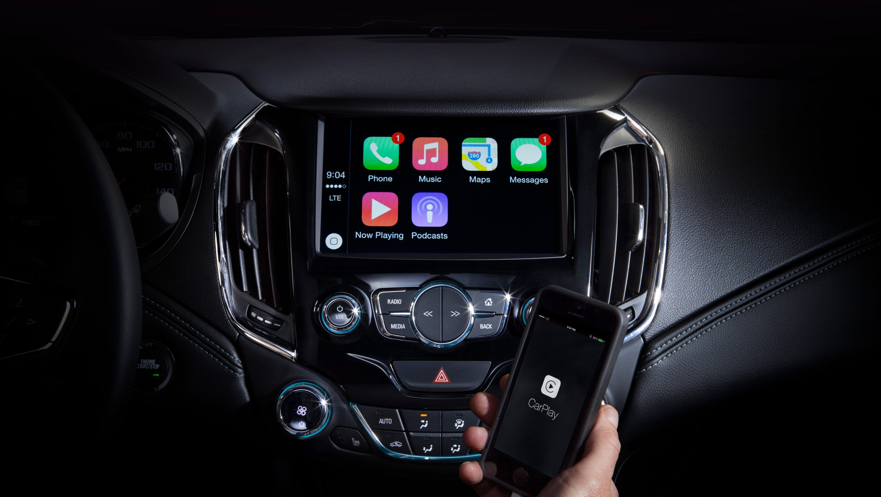 Fiat Chrysler embraces Apple CarPlay, Android Auto