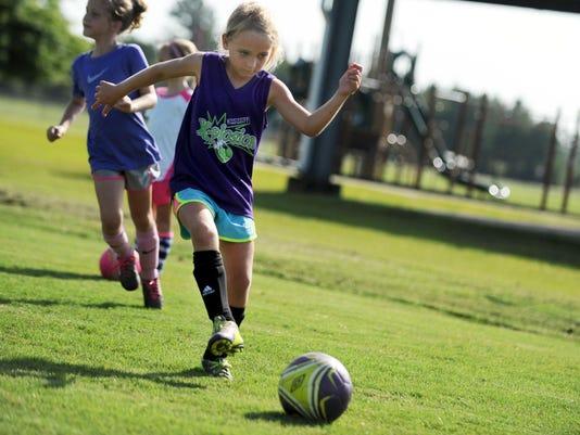 -Youth Soccer 2.jpg_20150709.jpg