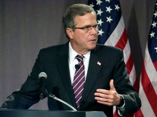 Former Florida governor Jeb. Bush speaks to the Chicago