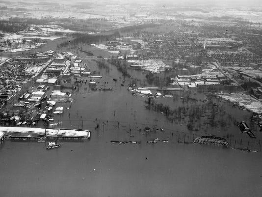 635890653901174410-flood.jpg