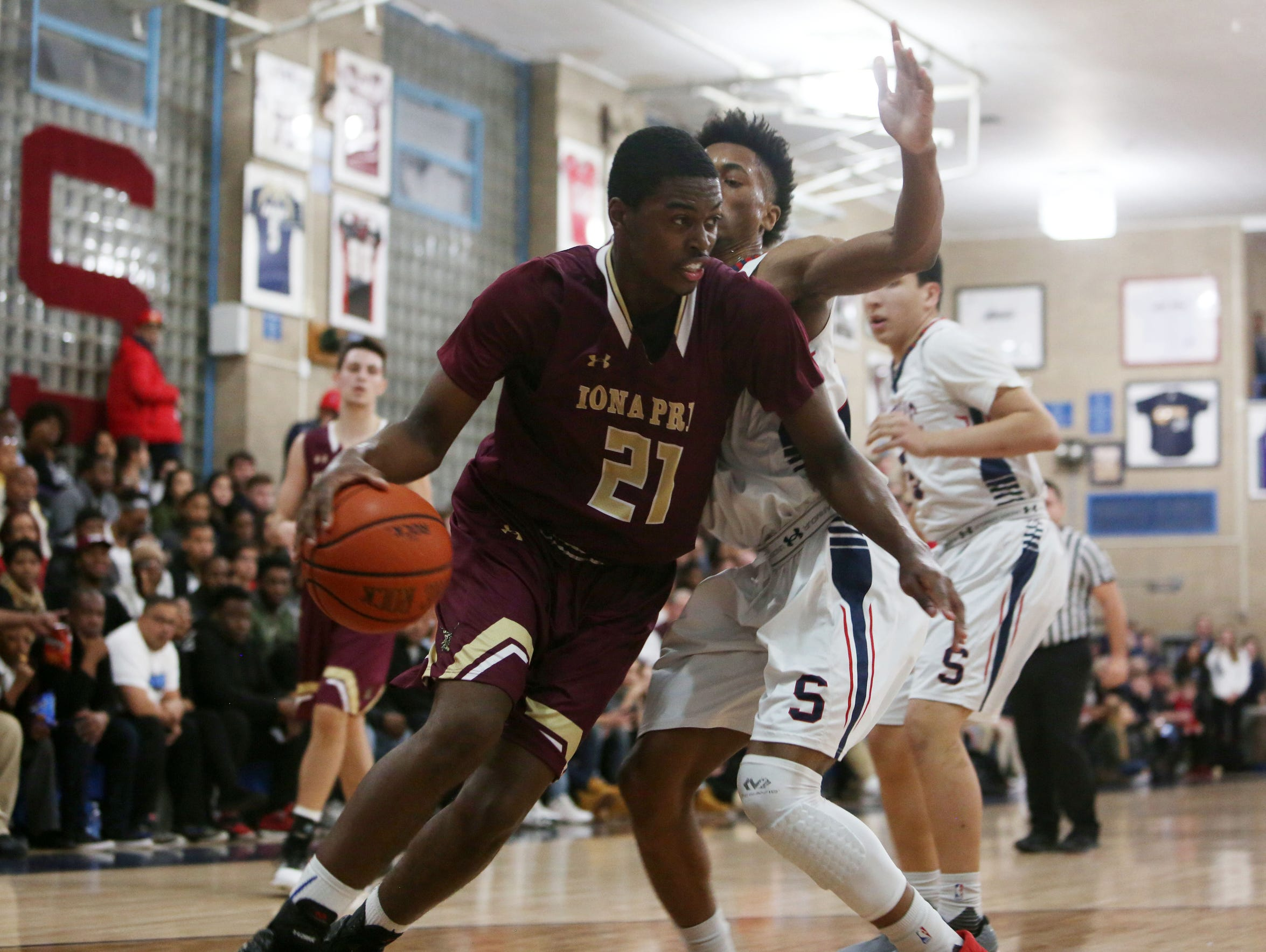 Stepinac defeated Iona 55-50 in basketball acton at