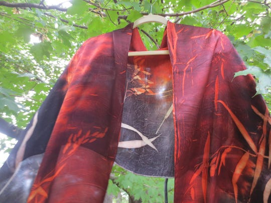 Nelly Kouzmina is an award-winning fiber artist who works with natural fibers and dyes to create everything from wall art to wearable art.