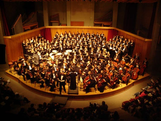 636473876284045135-Orchestra-and-choirs.jpg