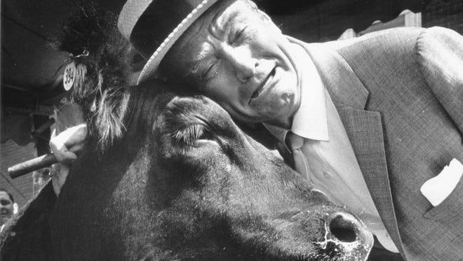 Sat 3/20 Flashback     Vincennes, Ind. native Red Skelton hammed it up as he led a movement to prevent a 4-H steer from being turned into beefsteaks and ribs at the 1962 State Fair. Skelton was in town for five performances at the Fair. The son of a circus clown-turned grocer, Skelton stumbled and bumbled his way through decades of prime-time television skits and was at the peak of his television career, which began on NBC in 1951. He went to Tuesday nights on CBS in 1953, then back to NBC, where his show ended in 1971. Richard Bernard Skelton was born on July 18, 1913, two months after the death of his father. At the age of 10, he joined a traveling medicine show, then at 15 joined the vaudeville circuit. The man who made America laugh with such characters as Clem Kadiddlehopper and Freddie the Freeloader died on Sept. 17, 1997 at the age of 84. Photo by Indianapolis News photographer George Tilford, Aug. 30, 1962