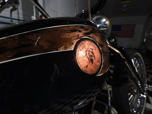 636435114570109252-0332-zan-warne-motorcycle.JPG