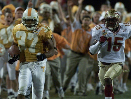 Tennessee wide receiver Peerless Price scores a touchdown in the fourth quarter.
