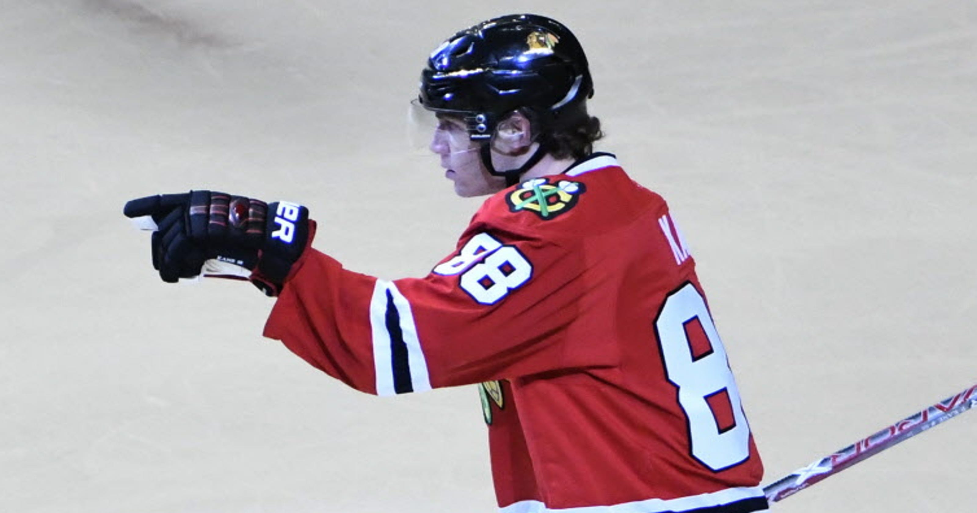 5f2a18e81c2c0 Patrick Kane s hat trick powers Blackhawks  romp against Coyotes