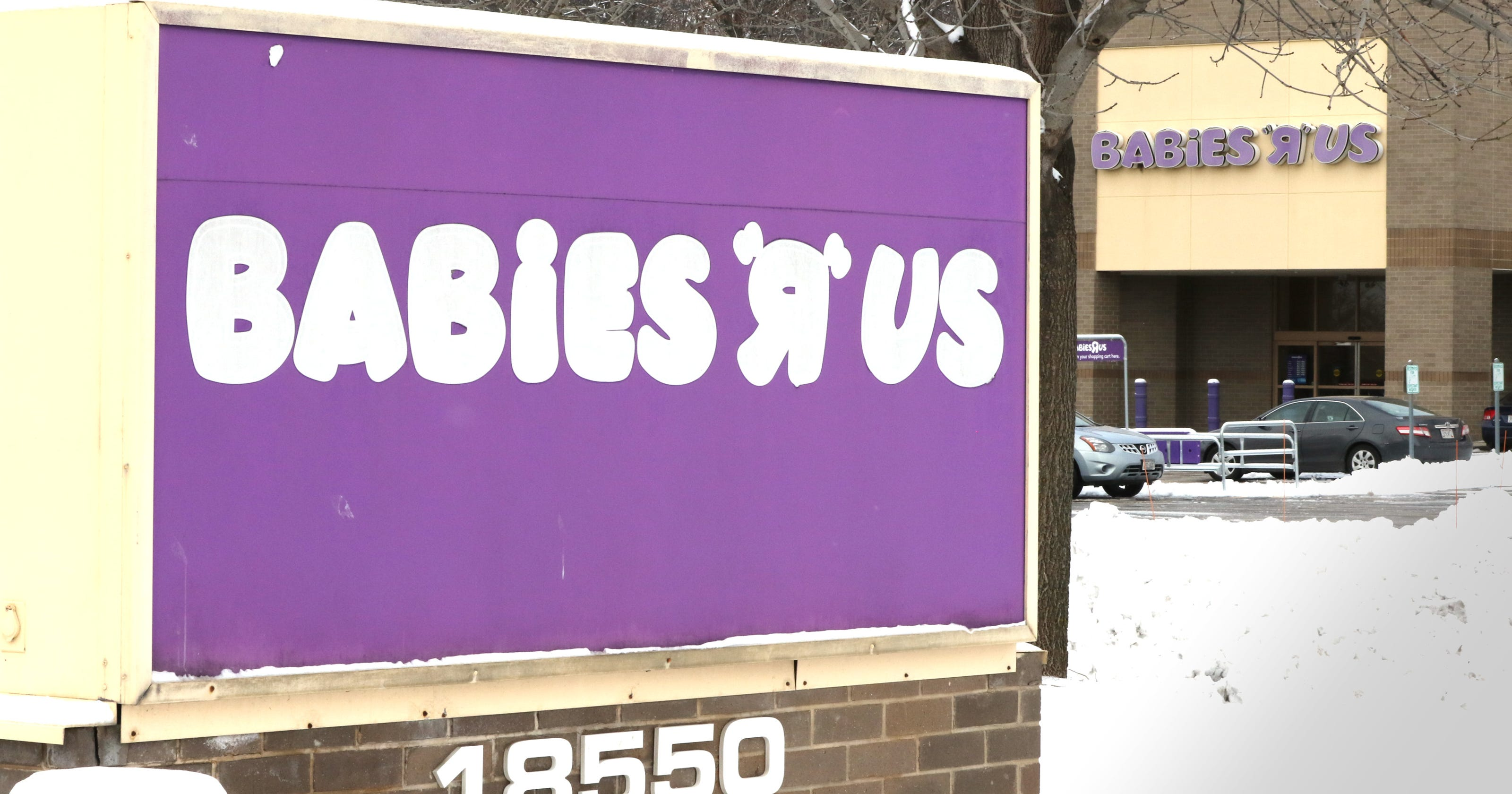Brookfield Babies R Us Closing As Part Of Nationwide Consolidation Sugar Baby Premium Swimming Pool Bubble Time