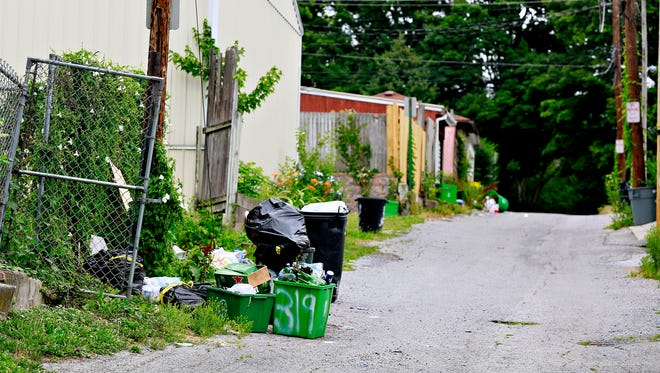 Recycling bins and trash on Vineyard Avenue in York City, Thursday, July 6, 2017. Dawn J. Sagert photo
