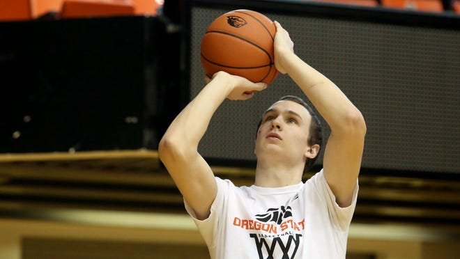 Alex Roth takes a shot during an Oregon State practice last season.