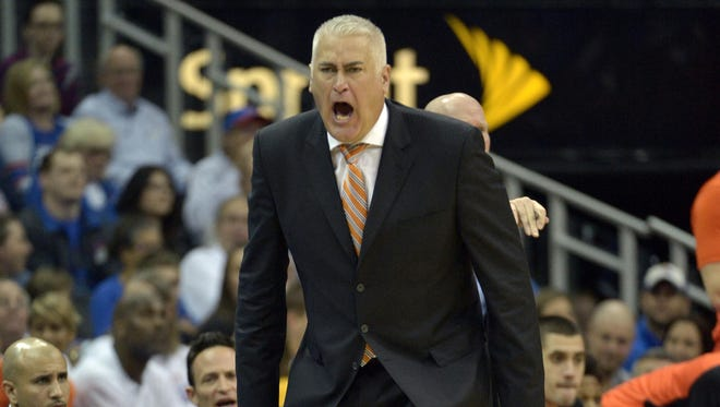 Dec 12, 2015; Kansas City, MO, USA; Oregon State Beavers head coach Wayne Tinkle reacts to play during the second half against the Kansas Jayhawks at Sprint Center. Kansas won 82-67.
