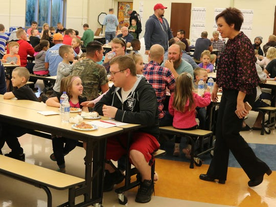 """Bataan Memorial's """"Dads and Kids"""" Pizza Night kicked"""