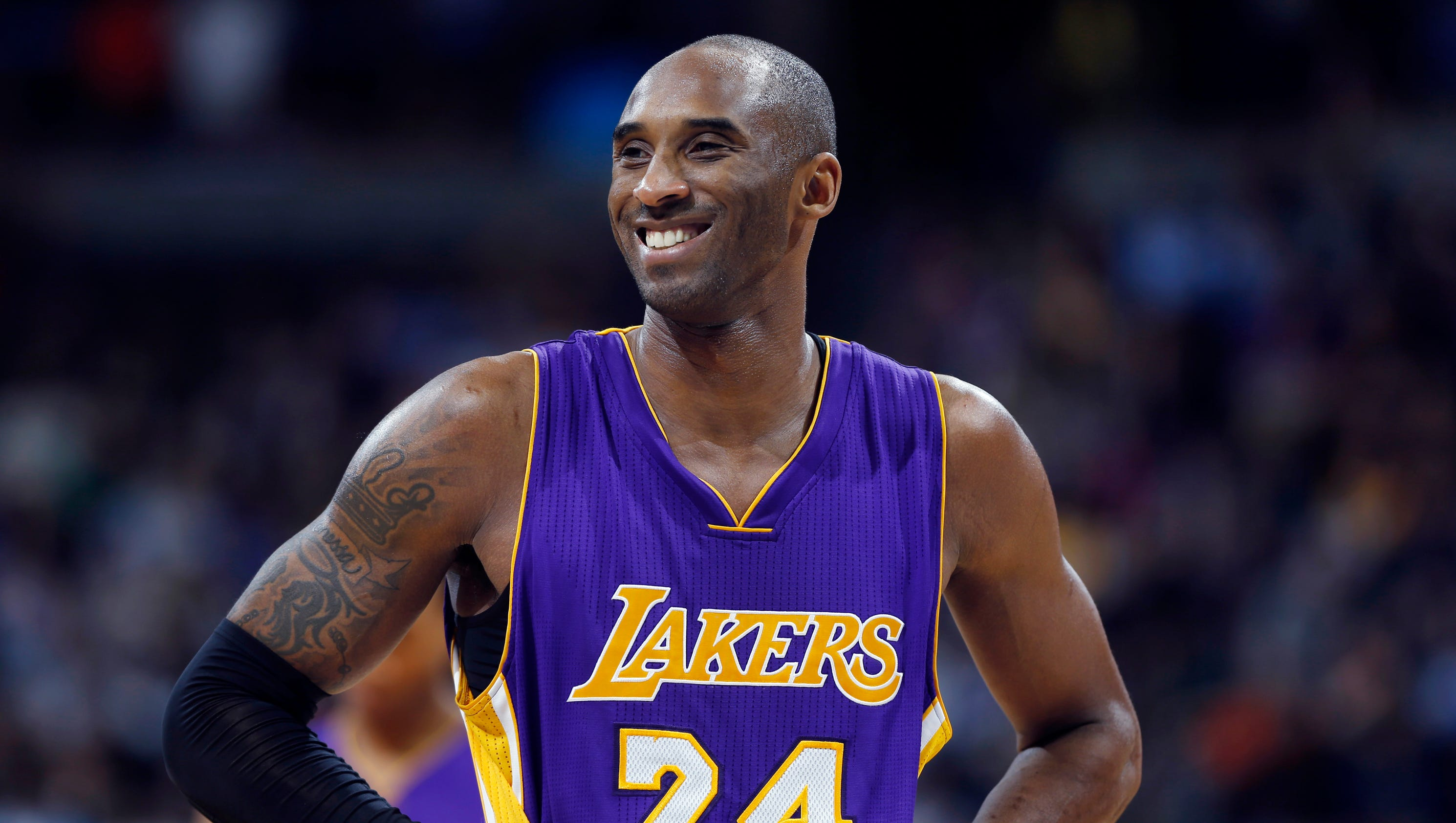 Kobe Bryant will be on floor for Lakers preseason opener