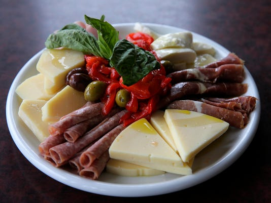 ASB 0412 Table cp Restaurant Week Presto: 99985332