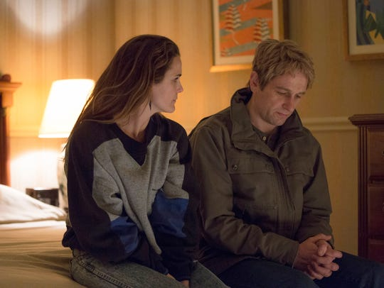 Elizabeth (Keri Russell), left, and Philip (Matthew