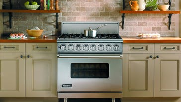 "Viking Professional 7 Series VDR has an exclusive ""VariSimmer"" low temperature setting on all burners."