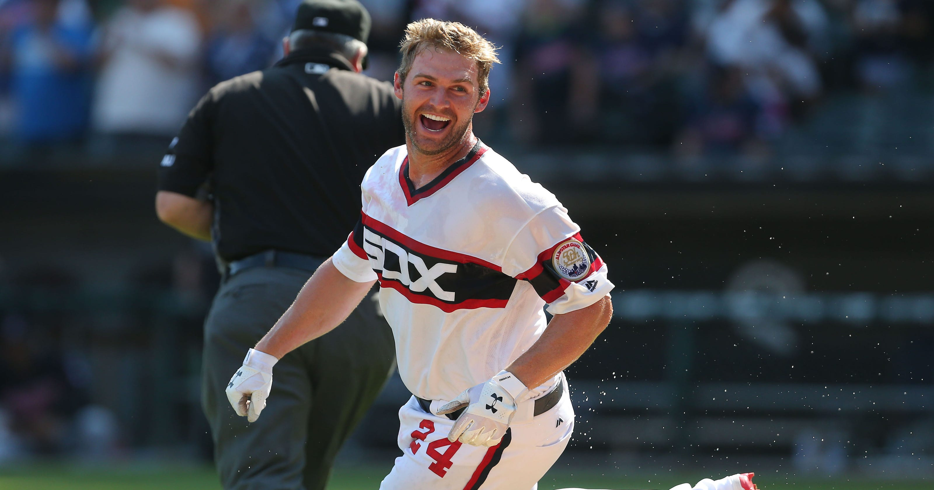 9afc677ee White Sox snap Indians  9-game winning streak with walk-off