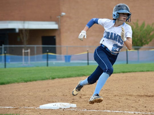 Paramus' Samantha Settecasi rounds third in the game