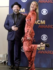 Kristian Bush, left, and Jennifer Nettles of Sugarland