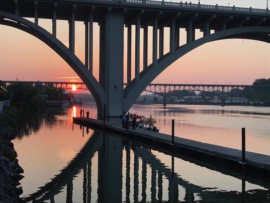 Henley Bridge emergency crews