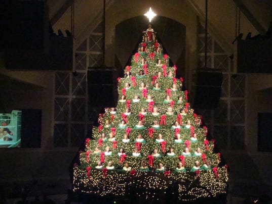 Singing Christmas Tree Dazzles