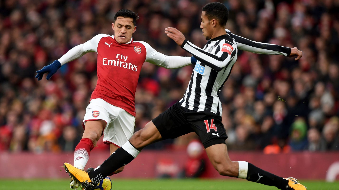 Ozil ends Arsenal's 3-game winless run, seals Newcastle win