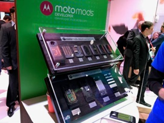 Motorola showcases Moto Mods for developers at Mobile