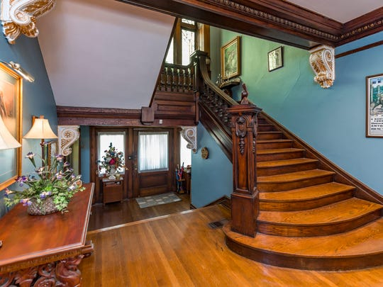 "The staircase is reminiscent of ""The Great Gatsby."""
