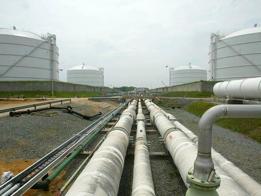 IMG_Natural_Gas_Exports_11_1_KA447J45.jpg_20130513.jpg