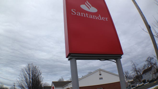 Santander Bank kept charging Evelyn Redvanly of Neptune for her credit line, even after she tried to close it. A Santander Bank branch in Neptune.