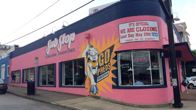 Customers packed Nashville's Sub Stop for the restaurant's last day, as it closes to make way for a 25-story high-rise.