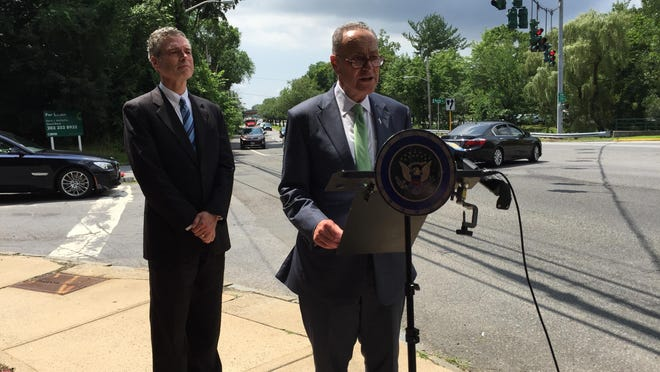 Sen. Charles Schumer (D-NY), right, and White Plains Mayor Tom Roach announced that the senator is calling for more federal invovlement following a lohud/The Journal News report on top crash zones in the region.
