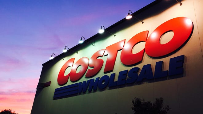 USA TODAY 9/24/14 11:43:37 AM -- Glen Mills, PA -- Costco Wholesale in Glen Mills, PA. Photo by Eileen Blass, USA TODAY staff ORG XMIT: EB 131729 money file image 9/17/2014 [Via MerlinFTP Drop]