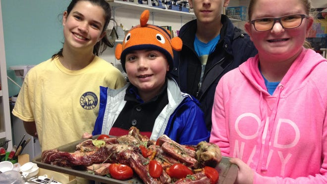 Students learn about Appalachian fare at Evergreen.