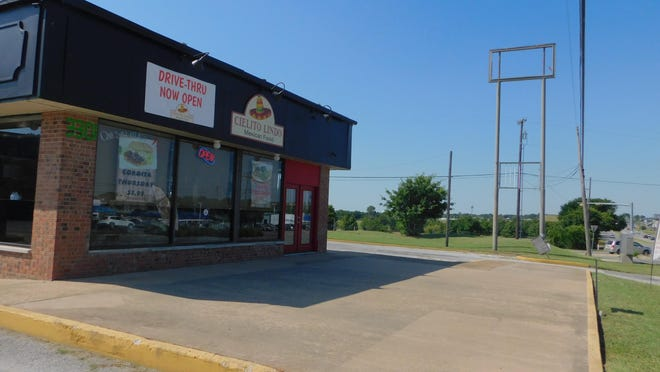 Representatives for Cielito Lindo recently were approved by Sherman P&Z for a new canopy to allow for outdoor seating.