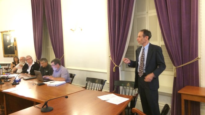Progressive Dean Corren asks the Democratic State Committee on Satruday for support in his race for lieutenant governor against Republican incumbent Phil Scott.