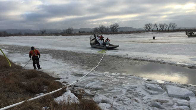 Cleanup work on the Yellowstone River spill upstream of Glendive remains on hold because of ice with only about 10 percent of the oil recovered.