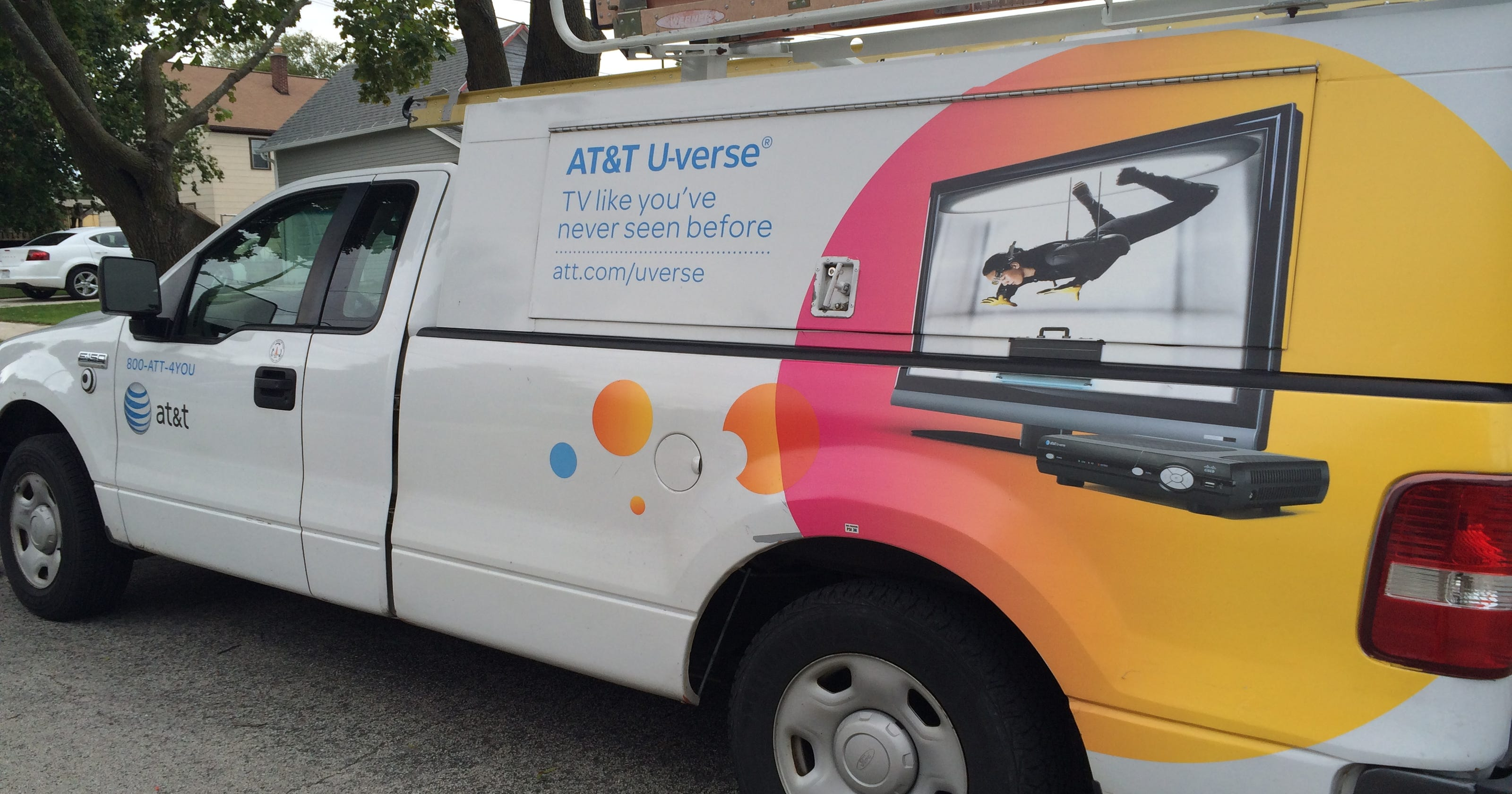 Att Quietly Lays Off Thousands After Touting Bonuses Uverse Record