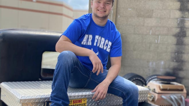 Jimmy Upson, a 2020 Knoxville High School grad, won't continue his athletic career, and he has enlisted in the United States Air Force.