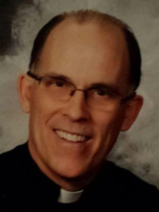 -GPG Father Bob Kabat mug shot.jpg_20140611.jpg