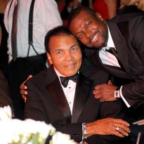 Celebrity Fight Night 2017 to pay tribute to Muhammad Ali, continue battle against Parkinson's in Phoenix