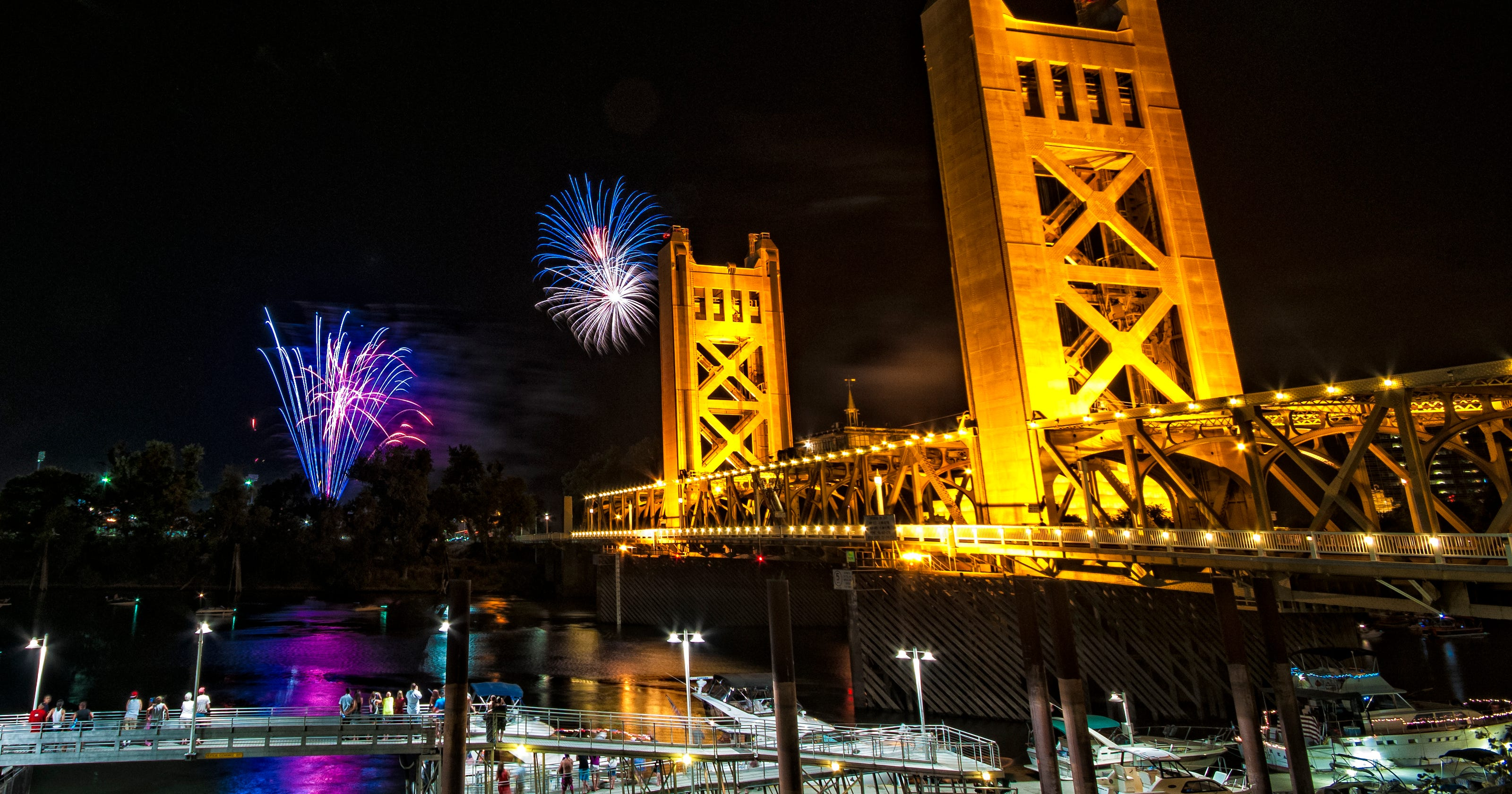 where to watch fourth of july fireworks in the sacramento