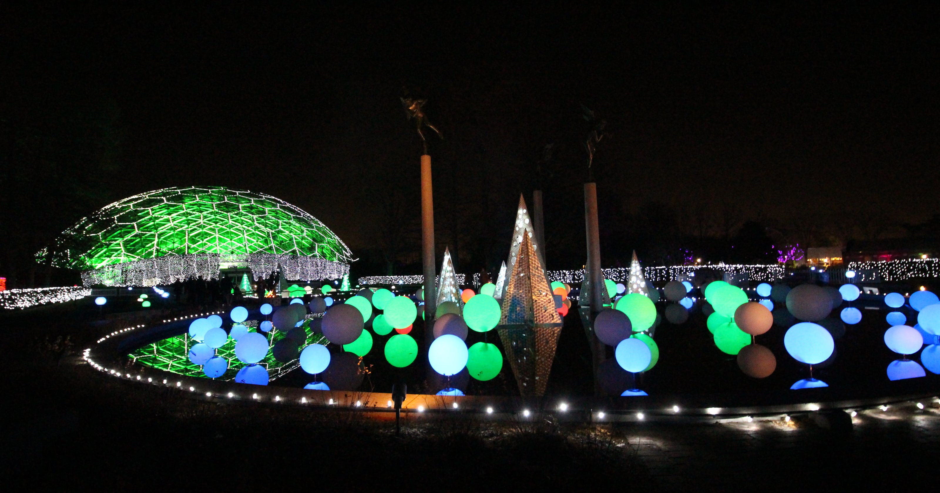 Mobot Garden Glow Extended Until January 9