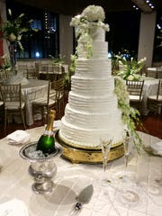 The wedding cake at 601 Spring.