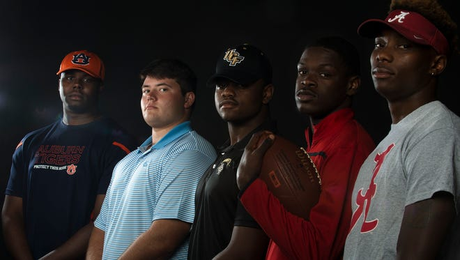 "Former Central Florida coach Scott Frost said Sterling Jones, center, is ""as fast and explosive a linebacker"" at UCF."