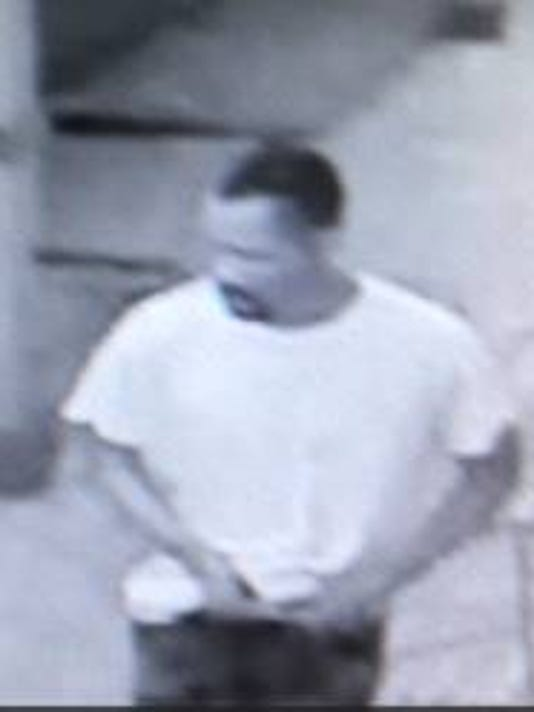 636378963172335664-tobacco-shop-burglary-suspect.jpg