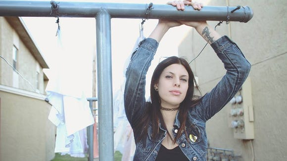 Singer-songwriter Hope Riot is set to perform on Jan.