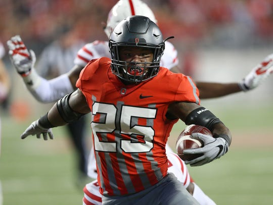 Ohio State Buckeyes running back Mike Weber rushed