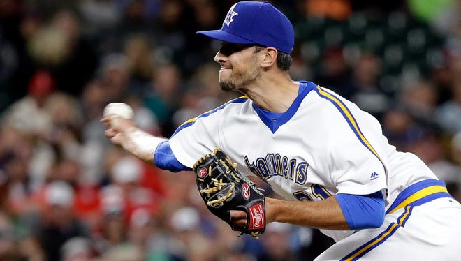 Seattle Mariners relief pitcher Steve Cishek in action against the St. Louis Cardinals in a baseball game Saturday, June 25, 2016, in Seattle. (AP Photo/Elaine Thompson)