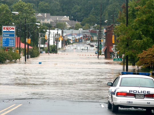 2004 floods 01.jpg
